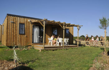 photo camping le petit paris en vendee mobil home bois